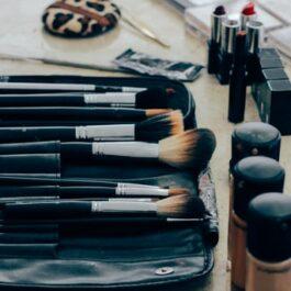 Accessories & Brushes